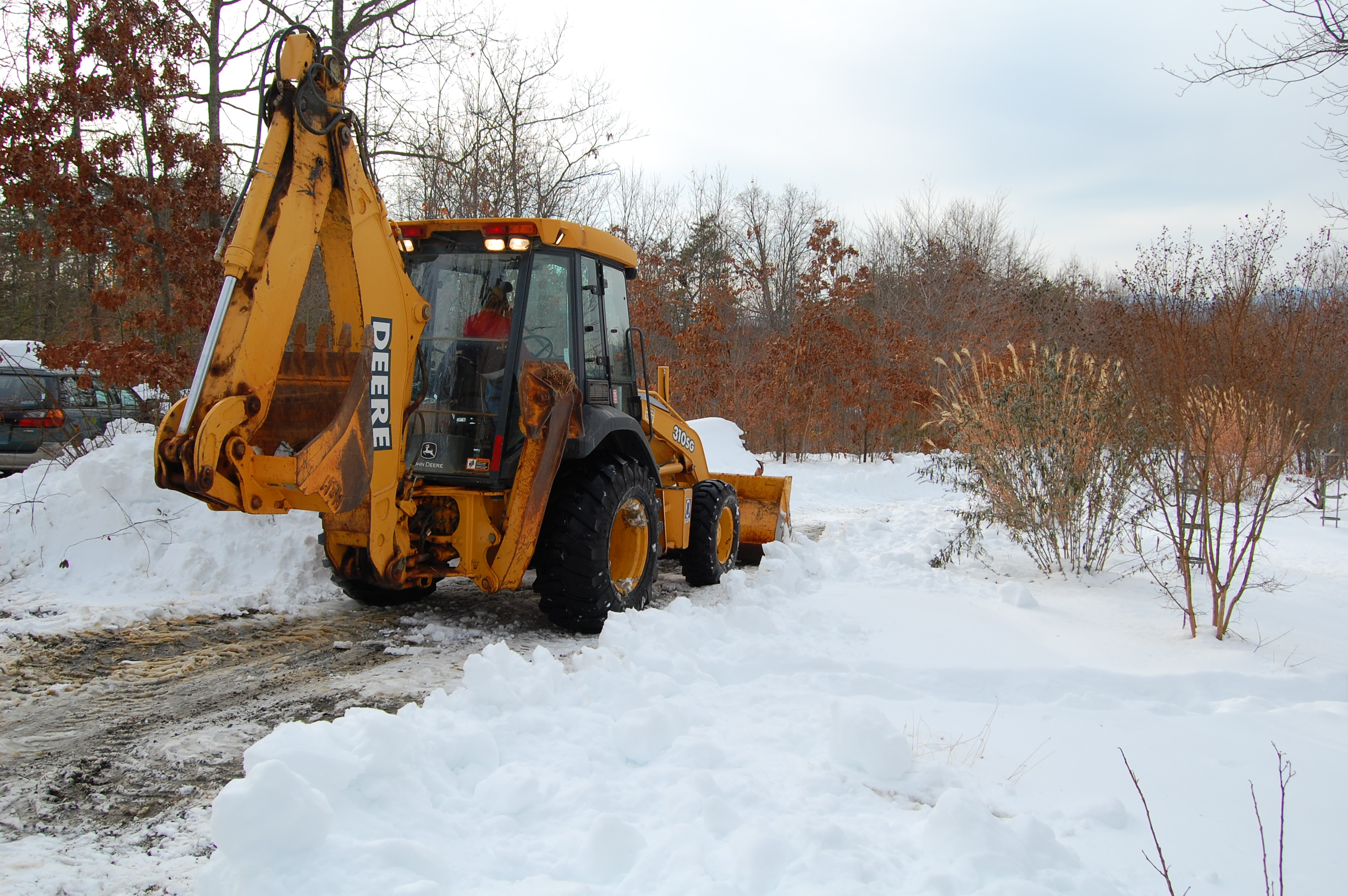 John_Deere_310SG_backhoe_loader,_snow_removal_3.jpg